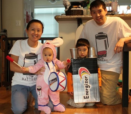 family halloween costumes 3 Fact: Families who dress together for Halloween get the most candy (45 Photos)