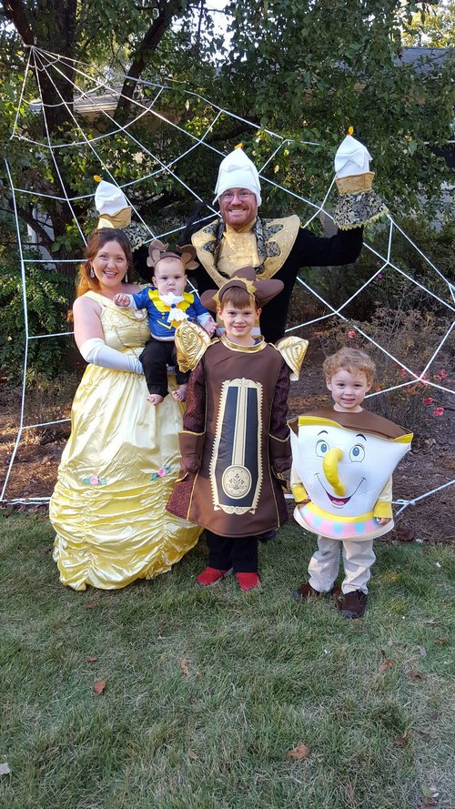 family halloween costumes 4 Fact: Families who dress together for Halloween get the most candy (45 Photos)