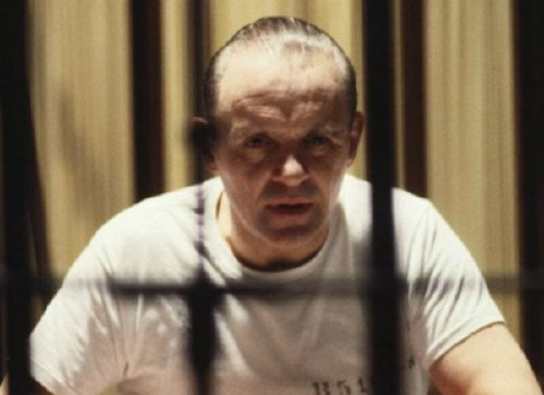 anthony hopkins silence of the lambs 1 If youre gonna die, might as well have an insanely bizarre death (21 Photos)