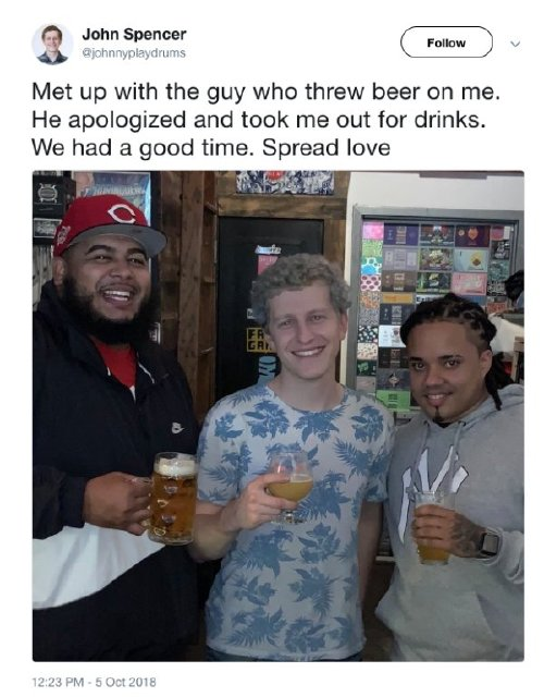 oakland as fan has the best response after full beer was thrown at him x photos 7 Oakland As fan has the best response after full beer was thrown at him (13 Photos)