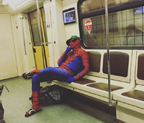 crazy people riding subway bizarre 15 Subways are not where normal happens (38 Photos)