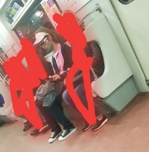crazy people riding subway bizarre 18 Subways are not where normal happens (38 Photos)