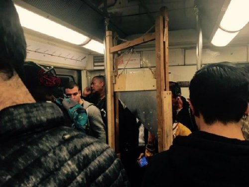 crazy people riding subway bizarre 33 Subways are not where normal happens (38 Photos)