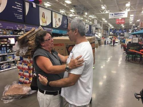 when strangers save the day 8 The kindness of strangers will never be forgotten (21 Photos)