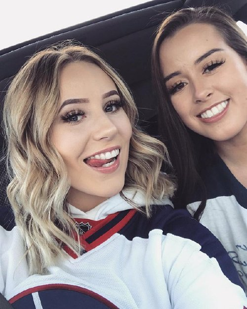 tatumlindley 31031233 824462941085114 2072548245485125632 n copy The NHL is back and these sexy puck bunnies are in a league of their own (42 Photos)
