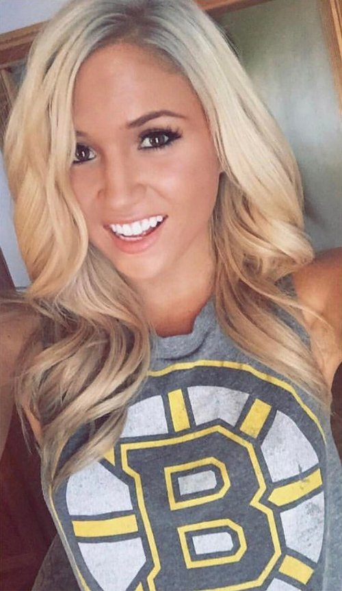 hkybabes 16464549 753810268106849 9023610926074429440 n copy The NHL is back and these sexy puck bunnies are in a league of their own (42 Photos)