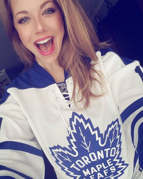 beccae 23 30605450 339408663249204 7983700752738549760 n copy The NHL is back and these sexy puck bunnies are in a league of their own (42 Photos)