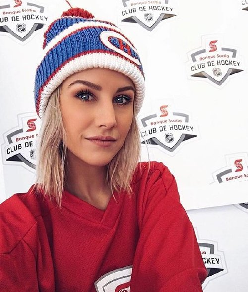 hkybabes 17126058 277619029318086 2220846589973364736 n copy The NHL is back and these sexy puck bunnies are in a league of their own (42 Photos)