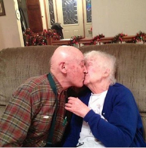 photos that prove true love never dies xx photos 24 True love is real and everlasting (25 Photos)