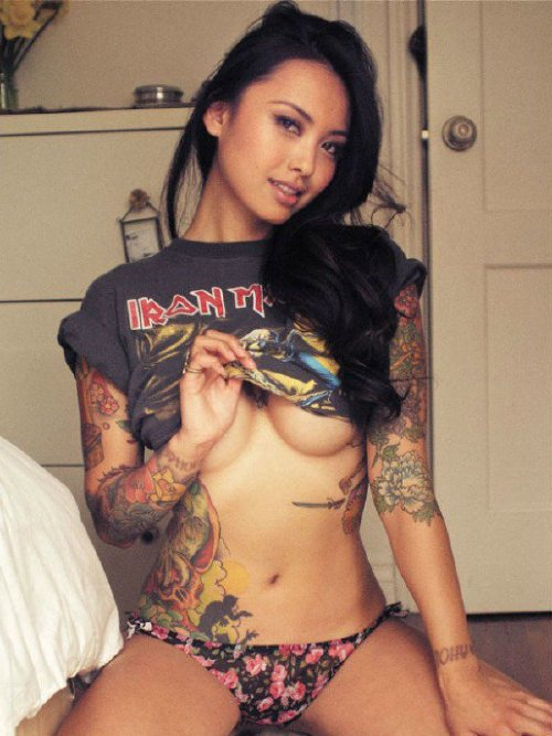 6bace537973f340ec37bdfdd49c0a986 Underboob is the root of happiness (40 Photos)