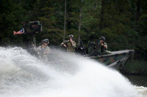 wallpaper pics seals will take your river 2561 Wallpaper pics: SEALs will take your River (100 HQ Photos)