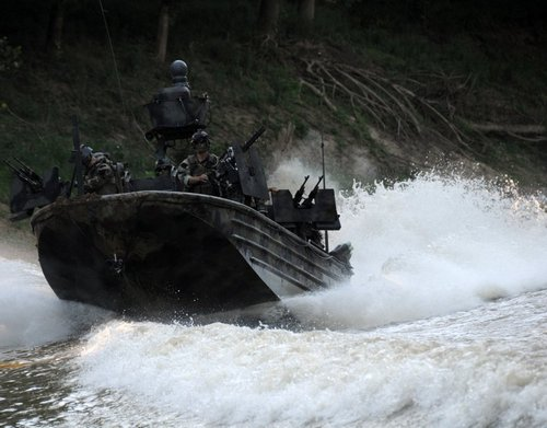 z6 seal river boats 960 11 Wallpaper pics: SEALs will take your River (100 HQ Photos)