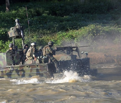 z6 seal river boats 960 7 Wallpaper pics: SEALs will take your River (100 HQ Photos)