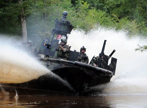 z6 seal river boats 960 10 Wallpaper pics: SEALs will take your River (100 HQ Photos)