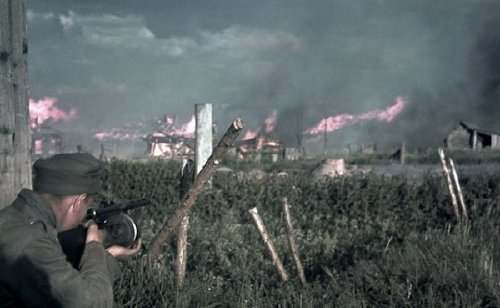 wwii colorized photos are a fascinating look at history xx photos 22 WWII colorized photos are a fascinating look at history (44 Photos)