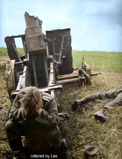 wwii colorized photos are a fascinating look at history xx photos 253 WWII colorized photos are a fascinating look at history (44 Photos)