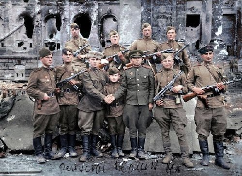 wwii colorized photos are a fascinating look at history xx photos 257 WWII colorized photos are a fascinating look at history (44 Photos)