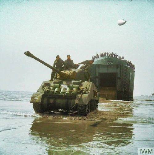 wwii colorized photos are a fascinating look at history xx photos 258 WWII colorized photos are a fascinating look at history (44 Photos)