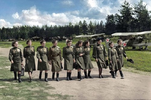 wwii colorized photos are a fascinating look at history xx photos 2 WWII colorized photos are a fascinating look at history (44 Photos)