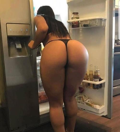thefitacademy 42672340 751222908591620 7136915250702682898 n Bad girls bend at the waist (39 Photos)