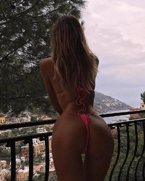 bossbirds 44301354 142660336708868 2704468436510907145 n Bad girls bend at the waist (39 Photos)