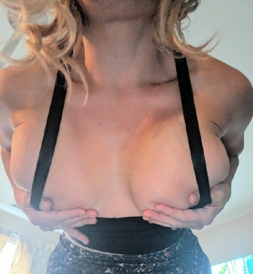 b413e7f6948dda4c9615bc0b9d09c53b Burn your bra and join the revolution! (47 Photos)