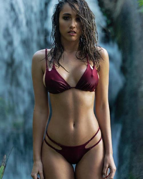 keyycaputo n Caution these girls are slippery when wet (46 Photos)
