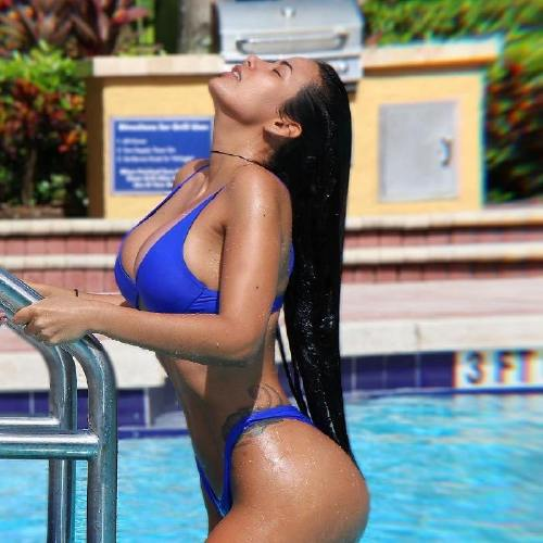 mariaglobaton n Caution these girls are slippery when wet (46 Photos)