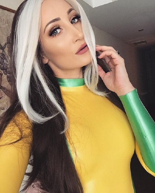 xx photos 9 Cosplay cutie Holly Wolf is something else (42 Photos)