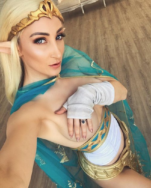 xx photos 21 Cosplay cutie Holly Wolf is something else (42 Photos)