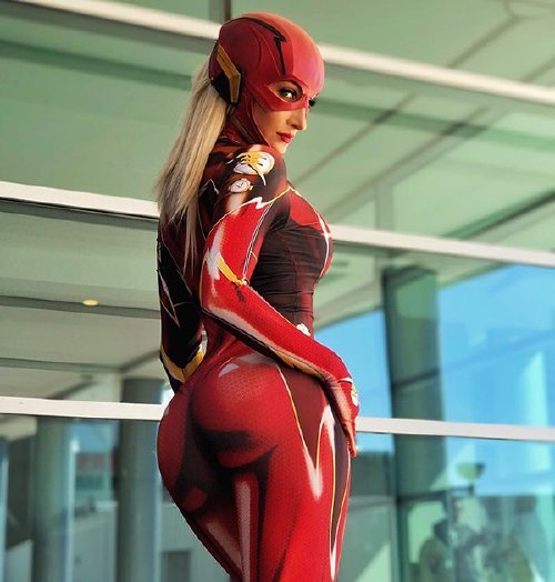 xx photos 5 Cosplay cutie Holly Wolf is something else (42 Photos)