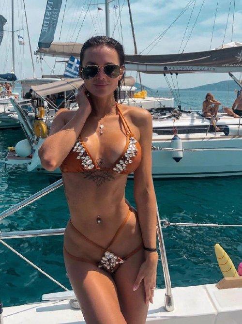 4c38166902c1d77d2293a4da67a28919 Enjoy a long trip down bikini lane (95 Photos)