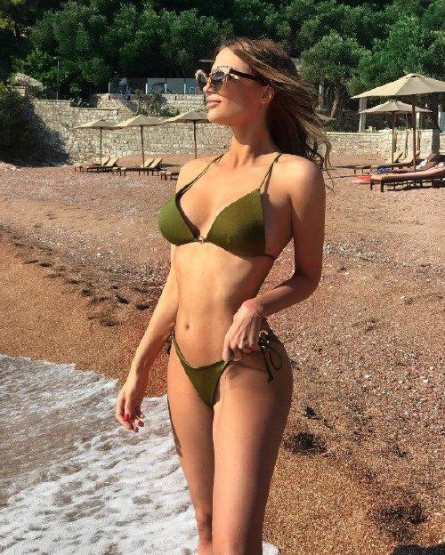 4ee3a4c687420270d4e029e452394d55 Enjoy a long trip down bikini lane (95 Photos)