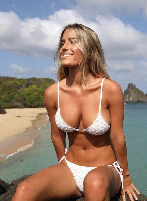 65320f35e97a134c6215b61a92ce46a4 Enjoy a long trip down bikini lane (95 Photos)