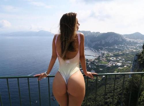 dajanagudic 43440348 352021398886632 2477991484551866756 n Enjoy a long trip down bikini lane (95 Photos)