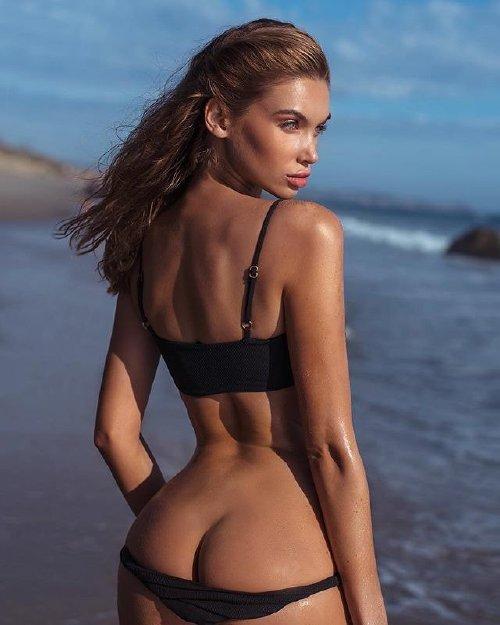 5dda99768253a5618d889697fa3bc6f2 Enjoy a long trip down bikini lane (95 Photos)