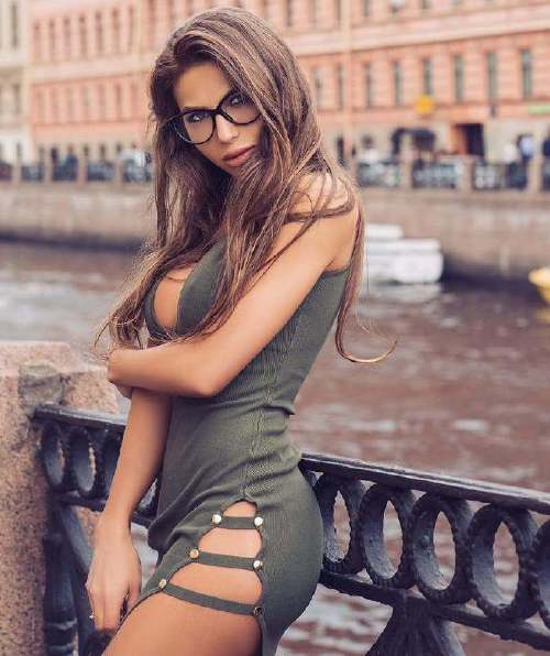 dariashy model 39333813 312169066026460 7179830806485925888 n Four eyes are better than two (49 Photos)