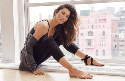 Jessica Biel Just Launched A Capsule Collection With Gaiam To 'Help Demystify Yoga'