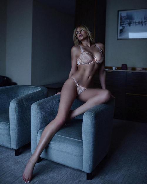 britthearmerawrr 41874928 354427101961795 1096759819543189723 n Legs so long you dont know where they start or finish (50 Photos)