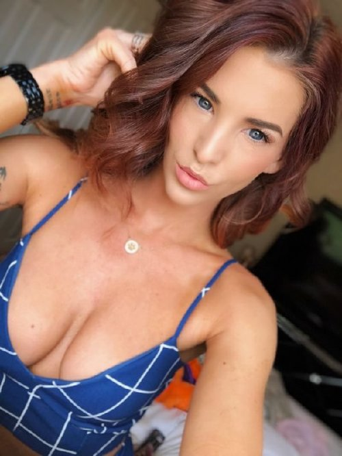 688d99bbe4df15e7a0f626632ab1f468 width 600 The holidays are here, so celebrate with redheads!! (47 Photos)