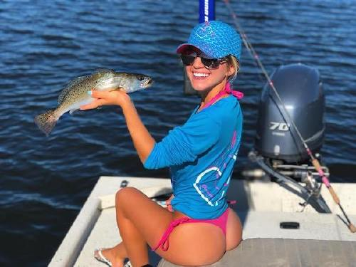89596 n Cami can handle a fishing rod and rock a bikini at the same time (26 Photos)