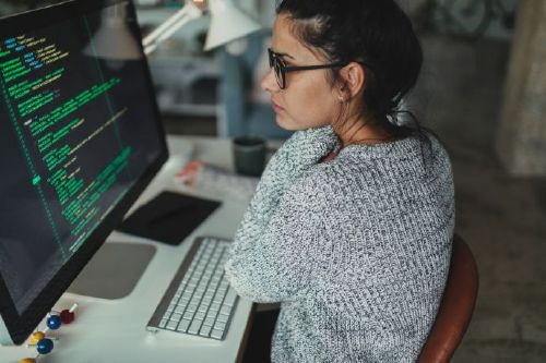 Can a girl become a good programmer?