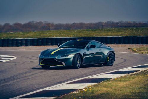 Aston Martin Vantage AMR (1)