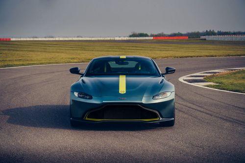 Aston Martin Vantage AMR (2)