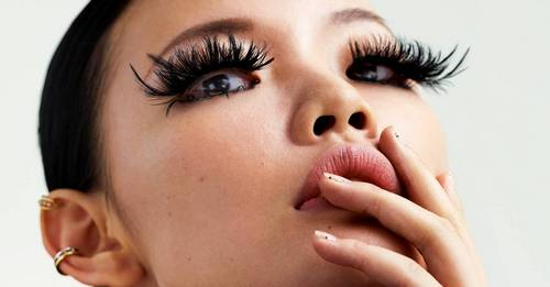 How to remove your eyelash extensions at home, according to experts