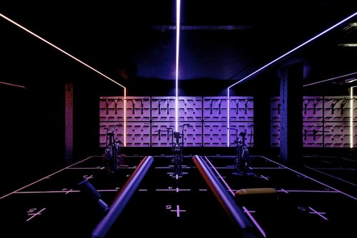 For the cycle enthusiasts, the new Kensington club hosts an exciting new calorie burner 'Revolution' class. With music at its core and a DJ curated playlist, it combines a tempo-based cycling workout with free weights for a full body workout