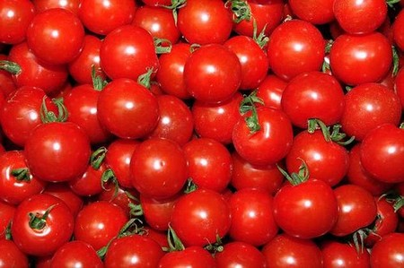 Red-colored fruits like tomatoes contain lycopene which can reduce cell division in prostate cancer