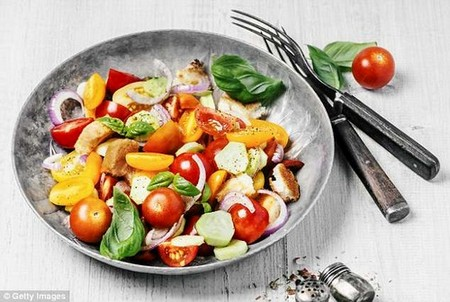 Researchers from Harvard University claim that a vegetarian diet could save nearly one million American lives annually, a much higher number than has previously been suggested.