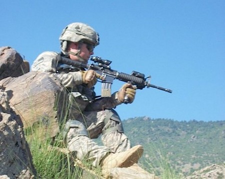 honoring a fallen soldier 20 photos 23 Honoring a fallen soldier (21 Photos)