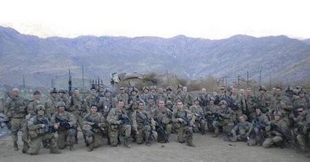 honoring a fallen soldier 20 photos 7 Honoring a fallen soldier (21 Photos)